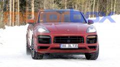 Porsche Cayenne Coupé GTS: il frontale non sembra cambiato