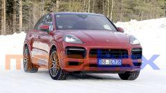 Porsche Cayenne Coupé GTS: paparazzato sulla neve