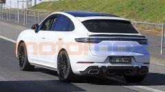 Porsche Cayenne Coupé GTS: si noti lo scarico centrale