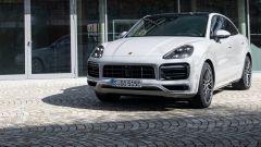 Porsche Cayenne Plug-in Hybrid 2021: più autonomia in elettrico