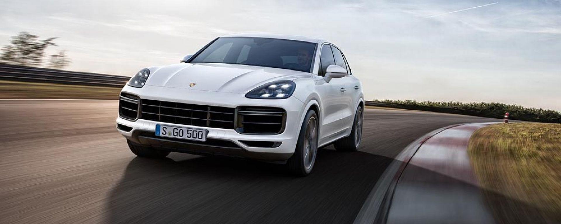 Porsche Cayenne Turbo 2018: 550 cv e aerodinamica attiva
