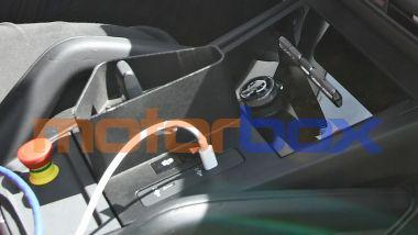 Porsche Cayenne Turbo S E-Hybrid 2022: la nuova - piccola - leva del cambio