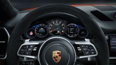Porsche Cayenne Turbo S E-Hybrid Coupé: dettaglio volante