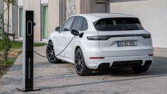 Porsche Cayenne Turbo S E-Hybrid: dettaglio posteriore