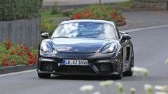 Porsche Cayman GT4: rumors e prime foto spia del facelift - Immagine: 2