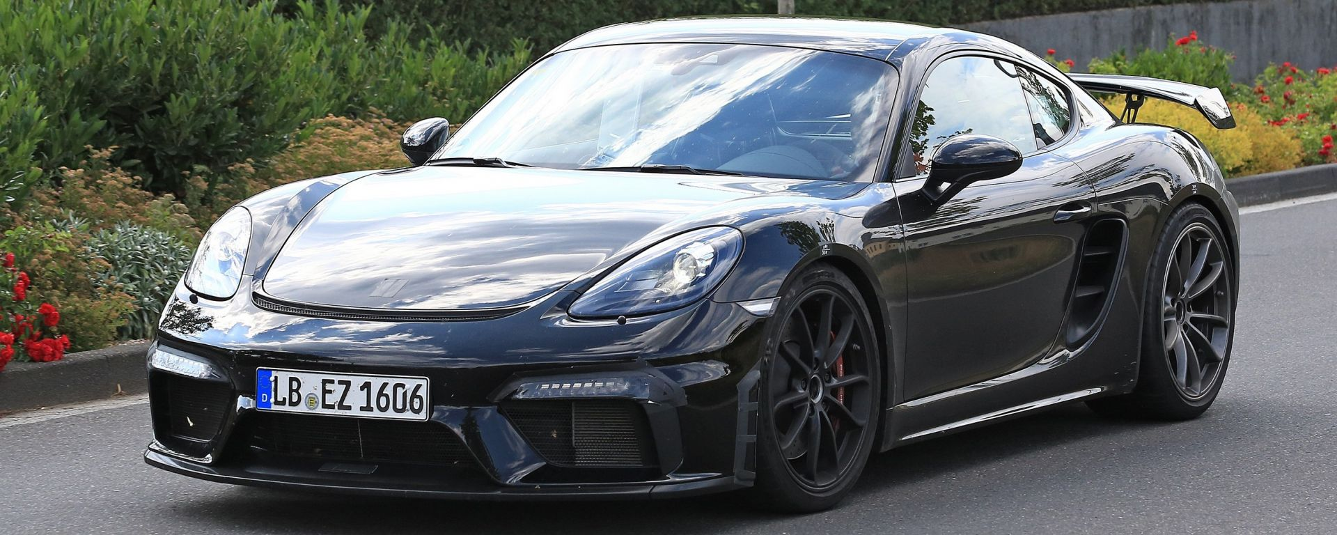 Porsche Cayman GT4: rumors e prime foto spia del facelift