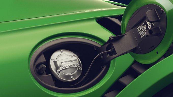 Porsche e-fuel: il carburante abbatterà dell'85% l'emissione di gas serra