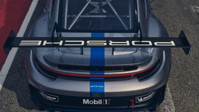 Porsche e-fuel: la Casa tedesca collauda nel campionato monomarca una benzina sintetica