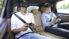 Porsche: Virtual Reality a bordo contro il mal d'auto