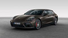 Porsche: la Panamera Sport Turismo pronta per Ginevra 2017 - Immagine: 2