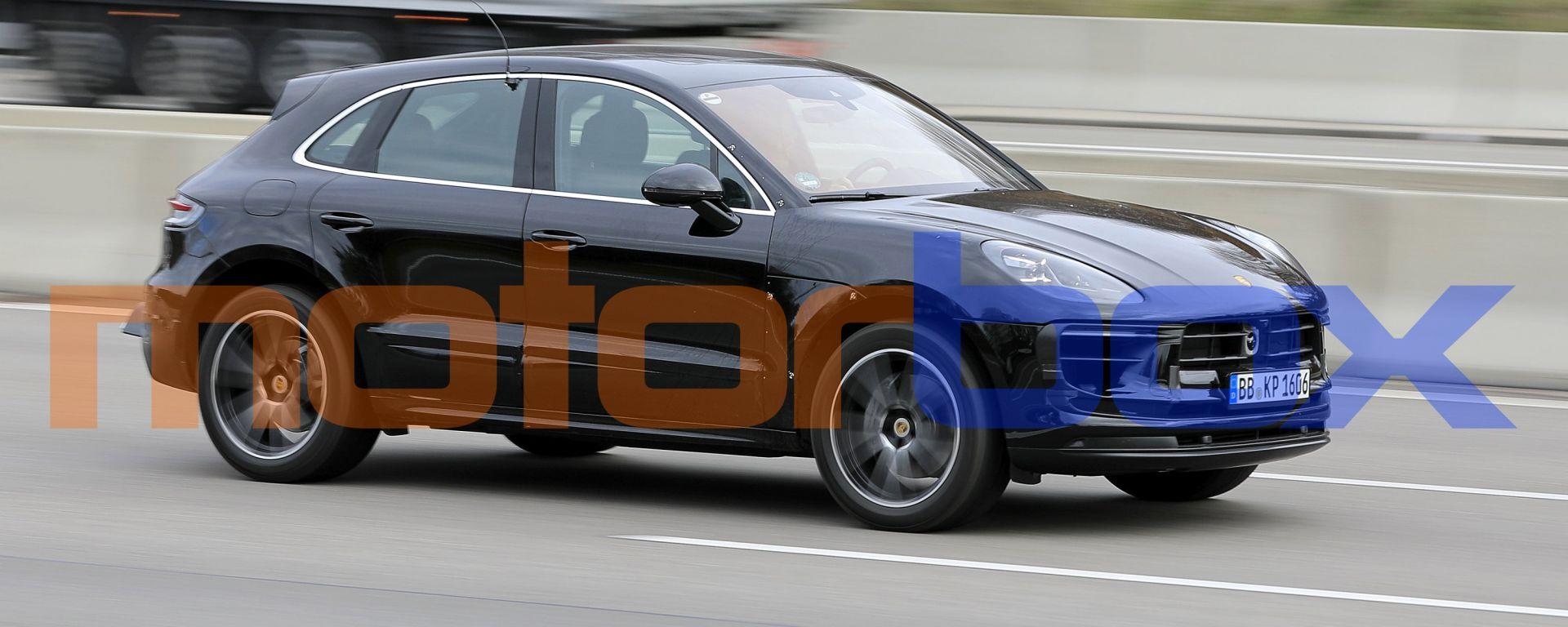 Porsche Macan 2021: foto spia del facelift