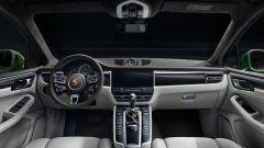 Porsche Macan Turbo 2020: gli interni