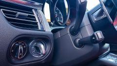 Porsche Macan Turbo 2020, il comando di avviamento è a sinistra del volante