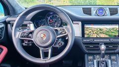 Porsche Macan Turbo 2020, il volante con il manettino per cambiare le modalità di guida
