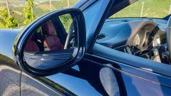 Porsche Macan Turbo 2020, lo specchio retrovisore