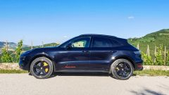 Porsche Macan Turbo 2020, vista laterale
