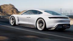Porsche Mission E Concept: vista 3/4 posteriore