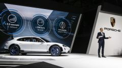 Porsche Mission E Cross Turismo Concept: in video dal Salone di Ginevra 2018 - Immagine: 4