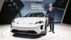 Porsche Mission E Cross Turismo Concept: in video dal Salone di Ginevra 2018 - Immagine: 10