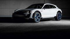 Porsche Mission E Cross Turismo Concept: vista 3/4 anteriore