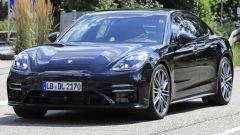 Porsche Panamera 2020 vista 3/4 anteriore