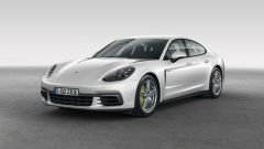 Porsche Panamera 4 E-Hybrid: vista 3/4 anteriore