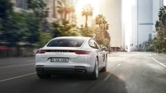 Porsche Panamera 4 E-Hybrid: vista posteriore