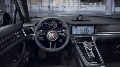 Porsche Panamera 4S: interni