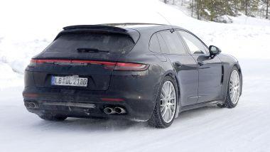 Porsche Panamera facelift 2020: anche dietro c'è qualche modifica