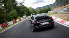 Porsche Panamera fra i tornanti dell'Inferno Verde