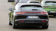 Porsche Panamera Sport Turismo 2020: la coda cambia di più adesso c'è la striscia a LED