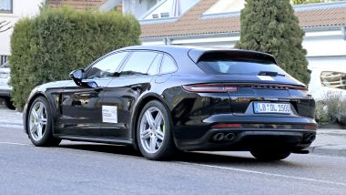 Porsche Panamera Sport Turismo 2020: le immagini dei prototipi su strada