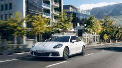 Porsche Panamera Sport Turismo: coda più lunga si armonizza meglio col lungo cofano anteriore