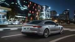 Porsche Panamera Turbo S E-Hybrid Executive: asse posteriore sterzante di serie