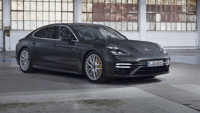 Porsche Panamera Turbo S E-Hybrid Executive: frontale