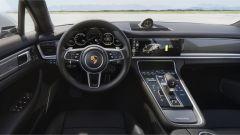 Porsche Panamera Turbo S E-Hybrid: gli interni