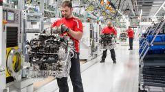 Porsche: pronta la nuova fabbrica per i motori V8 - Immagine: 1