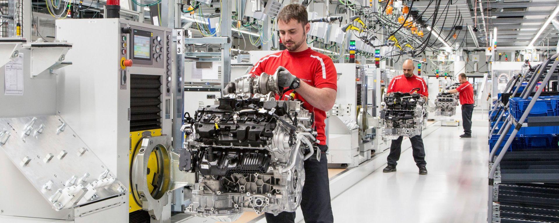 Porsche: pronta la nuova fabbrica per i motori V8