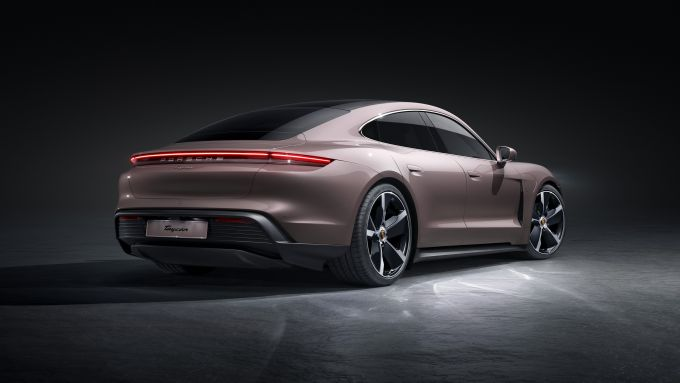 Porsche Taycan 2021: arriva l'entry level a trazione posteriore