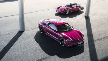 Porsche Taycan 2022: a confronto con la