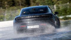 Porsche Taycan, alla guida Dennis Retera