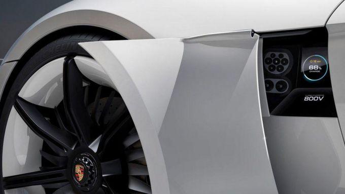 Porsche Taycan, batterie da 800 Volt
