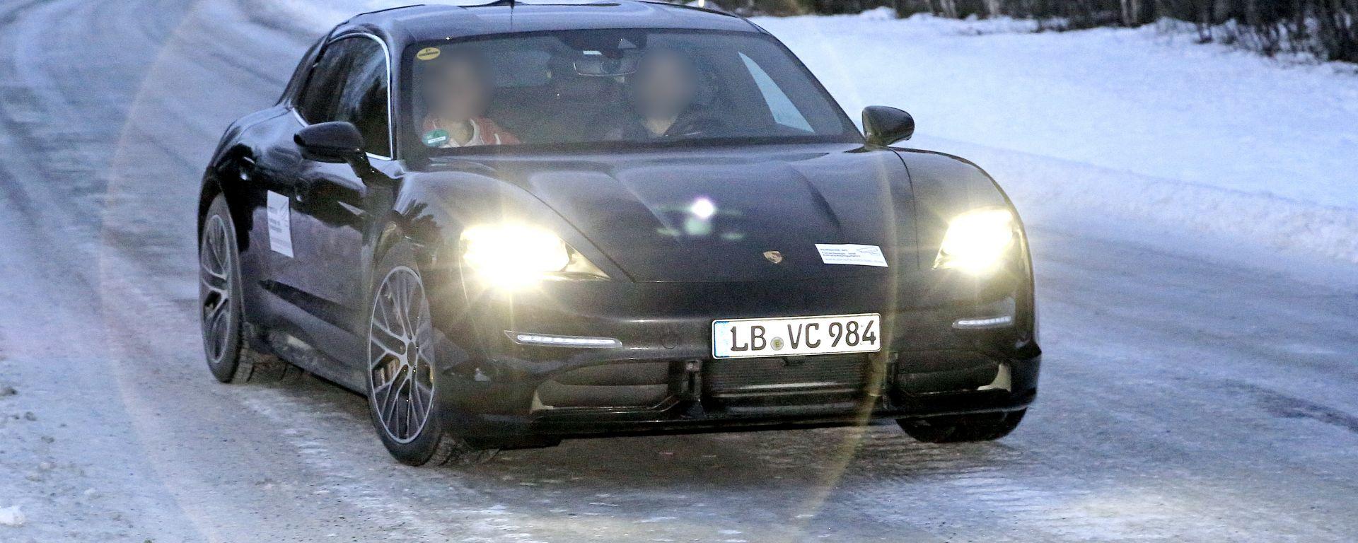 Porsche Taycan Cross Turismo 2020