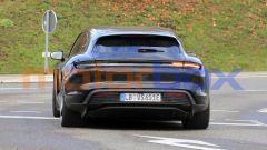 Porsche Taycan Cross Turismo, cadute le camuffature anche dalla fanaleria posteriore