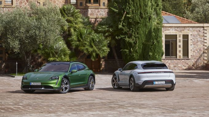 Porsche Taycan Cross Turismo: la famiglia delle elettriche tedesche