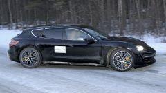 Porsche Taycan Cross Turismo laterale