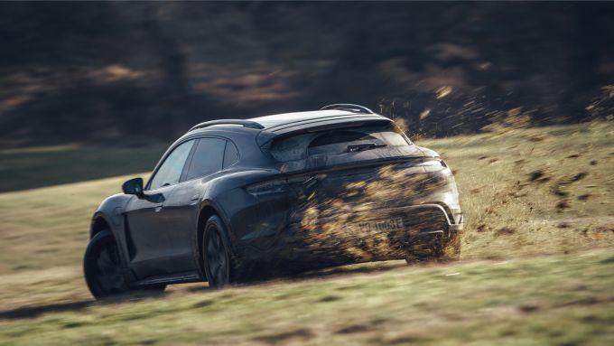 Porsche Taycan Cross Turismo: maggiore spazio a bordo