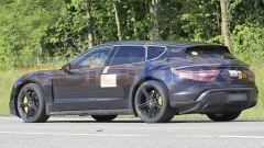 Porsche Taycan Cross Turismo, ultimi test prima del debutto