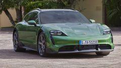 Porsche Taycan Cross Turismo: visuale di 3/4 anteriore