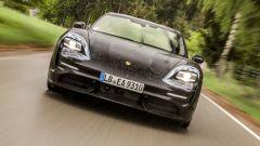 Porsche Taycan, la stampa UK l'ha già provata. Il giudizio - Immagine: 4